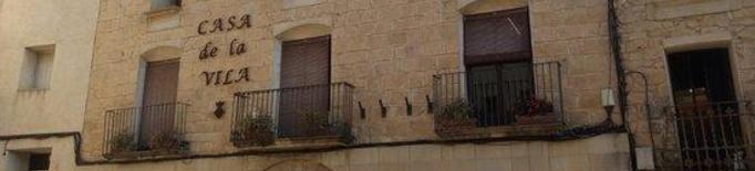 Pla obert de la façana de l'Ajuntament de Torrebesses, en una imatge d'arxiu