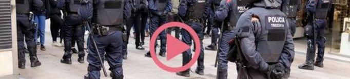 ⏯️ Un dispositiu policial impedeix que els CDR accedeixin a la plaça on Vox havia convocat un acte