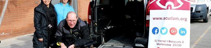 L'ACUDAM adquireix un vehicle adaptat amb l'ajuda de la Diputació