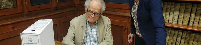 Varela dóna a l'Arxiu Municipal les 170 cintes en què va gravar les 'converses'