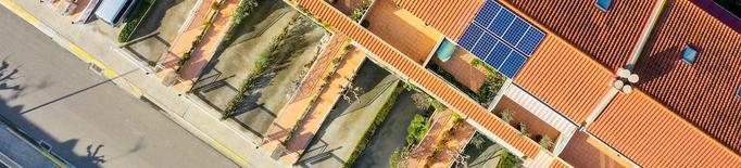 Comunitats de veïns pioneres a Lleida en la instal·lació de plaques fotovoltaiques