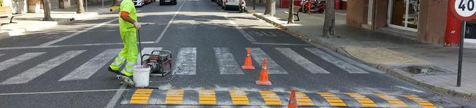 Renovades una desena de bandes reductores de velocitat als carrers de Lleida