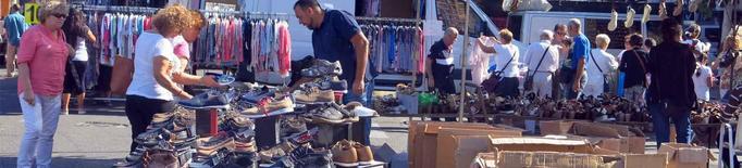El mercat del Camp d'Esports recuperarà les parades de roba i complements