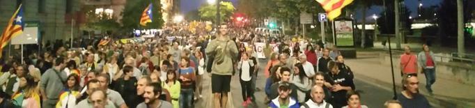 Milers de persones es manifesten a Lleida i reclamen avançar cap a la República