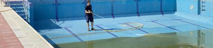 Castelldans comença a netejar les piscines municipals