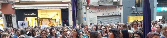 """""""Nosaltres et creiem"""", crit d'indignació de milers de persones en rebuig a la sentència de la Manada"""