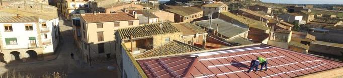 Llardecans comença a instal·lar plaques fotovoltaiques a l'ajuntament