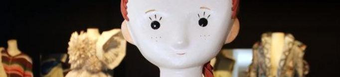 El Museu de Vestits de Paper de Mollerussa crea un personatge de ficció per descobrir l'equipament al públic infantil