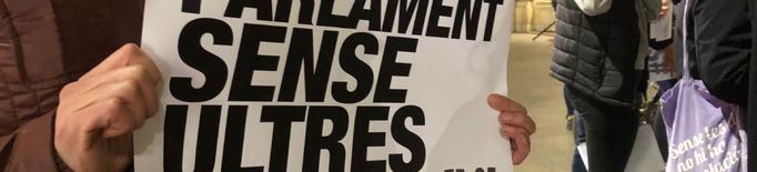 """Concentració per un """"Parlament sense ultres"""""""