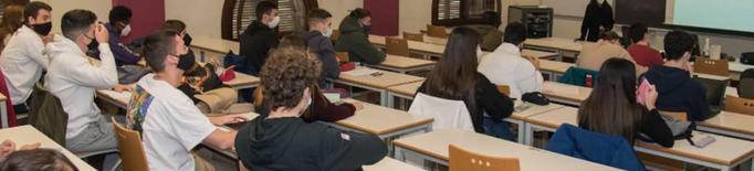 Estudiants primer any universitat retorn