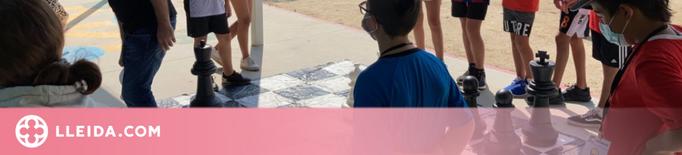 Robòtica i escacs a l'escape room per a joves de l'Estiu de Joc 2