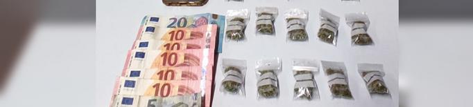 Enxampat amb vint bossetes de marihuana al Centre Històric de Lleida