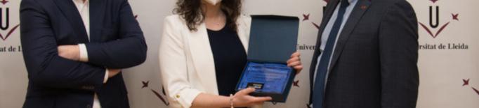 Un treball sobre l'alimentació de porcs blancs guanya el premi 'La ciència en femení'