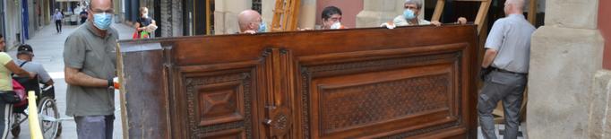 Comença la restauració de la porta principal del Palau de la Diputació