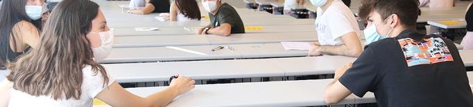 El Govern anima els universitaris a vacunar-se abans de l'inici de curs