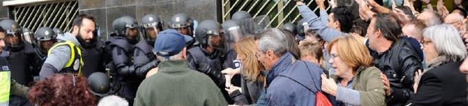 Es reobre el cas contra tres policies espanyols per l'actuació de l'1-O a Lleida