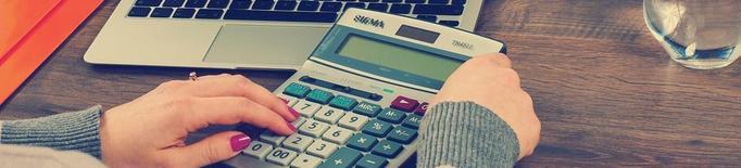 Guia pràctica per afrontar la declaració de la renda i no morir en l'intent