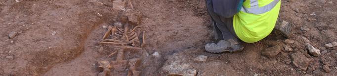 Tàrrega finalitza la documentació arqueològica de les restes òssies trobades a la plaça Major