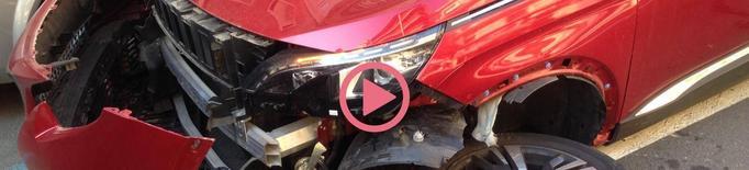 ⏯️ Forta col·lisió entre dos vehicles a Príncep de Viana