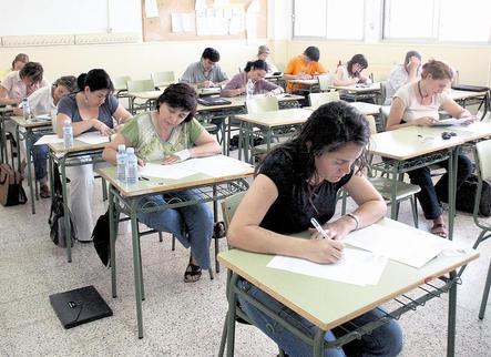 Convocades les 2.000 places de docents per reduir els interins a Primària i Secundària