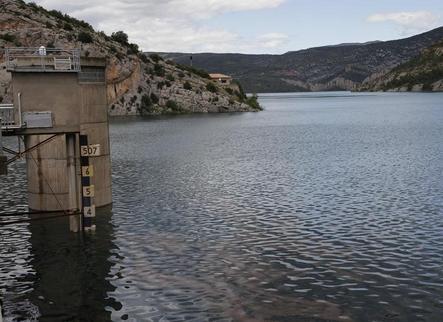 Canelles, el pantà més gran de Catalunya, pràcticament ple