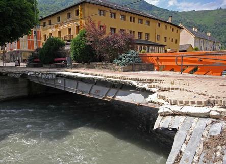 Condemnat per construir un mur il·legal al riu Garona