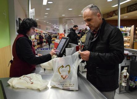 La Seu d'Urgell evitarà l'ús de dos milions de bosses de plàstic als comerços