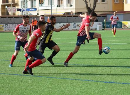 Pau dóna un punt al Balaguer