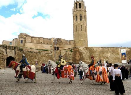 Lleida és reconquerida per les tropes mores i es converteix en Medina Larida