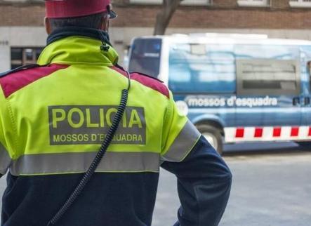 Busquen un piròman per una onada d'incendis de contenidors a Lleida