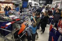 El comerç tem que limitar pagaments en efectiu a 1.000 € redueixi vendes