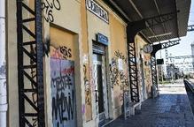 Grafitis a la cabina impedeixen que un tren circuli a la línia de Manresa