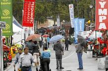 La Fira de Sant Miquel manté uns 150.000 visitants malgrat la pluja