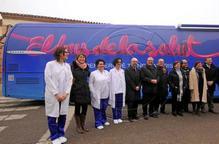 Un bus medicalitzat recorre Lleida per prevenir cardiopaties i fallades renals