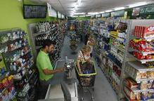 Una desena de supermercats ja obren les portes diumenges i festius a Lleida ciutat