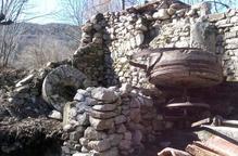 Vilaller repara el Molí Fariner i tanca una casa del centre històric per seguretat