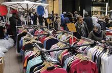 L'Eix tanca el 'mercadillo' amb una alta afluència de compradors