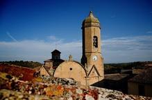 A punt la torre del campanar del Cogul per al repic de dissabte
