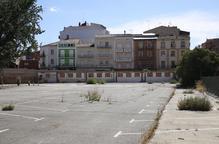 Negociacions per habilitar un aparcament provisional al solar de l'antiga escola de Magisteri