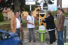 Martinet inaugura el primer carregador elèctric de vehicles