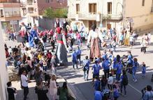 Gegants a Linyola i festa a Castell del Remei