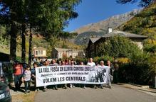 Manifestació de suport als veïns de la Vall Fosca que Endesa porta a judici per impagament