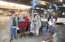 Vint-i-tres persones coneixen el patrimoni industrial de Lleida en un viatge 'a cegues'