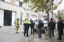 Incendi en un garatge a Tàrrega i crema un cotxe a Riu de Cerdanya