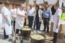 Milers de persones aprenen a fer sabó a Montgai