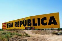 Bellpuig restitueix el mural independentista atacat tres dies després de pintar-se