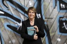 "Gemma Lienas: ""Sóc escriptora però no vaig poder dir 'no' a la política"""