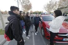 Els examinadors de trànsit suspenen la vaga després d'anul·lar 63 proves a Lleida