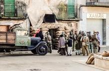 Visita a la fossa del Soleràs pels 80 anys dels bombardejos a la comarca
