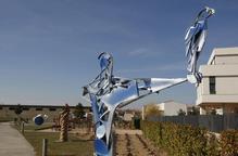 """Almacelles estrena """"parc escultòric"""" amb dotze peces que renovarà cada any"""